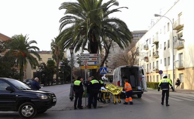 Dos mujeres resultan heridas en sendos atropellados ocurridos en Badajoz