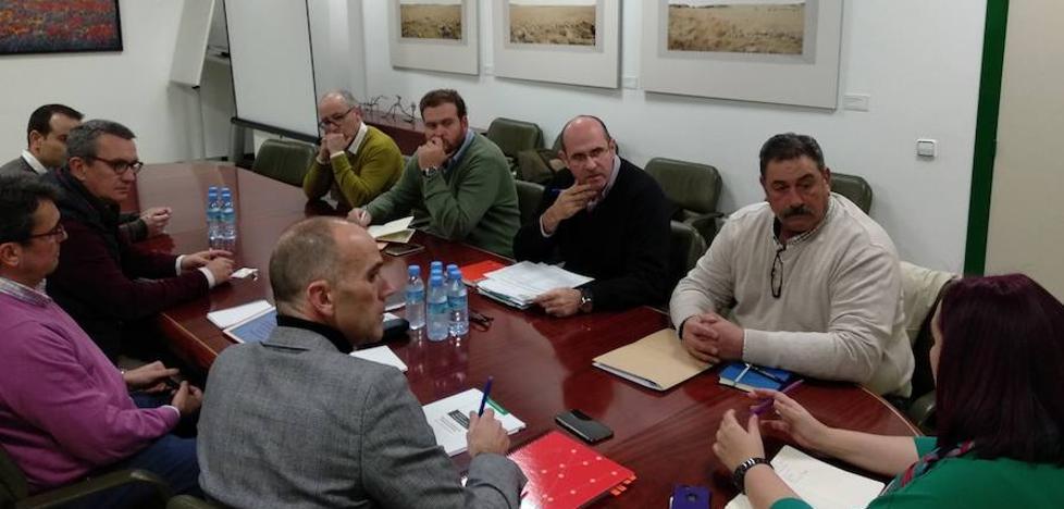 Los regantes conocen el estudio técnico y económico del proyecto de regadío Tierra de Barros