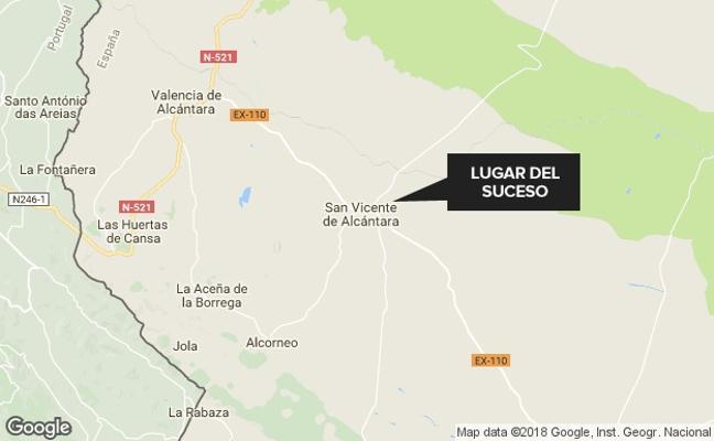 Arde una nave de corcho en San Vicente de Alcántara