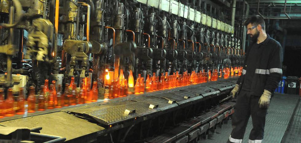 La fábrica de los 3 millones de botellas diarios piensa crecer