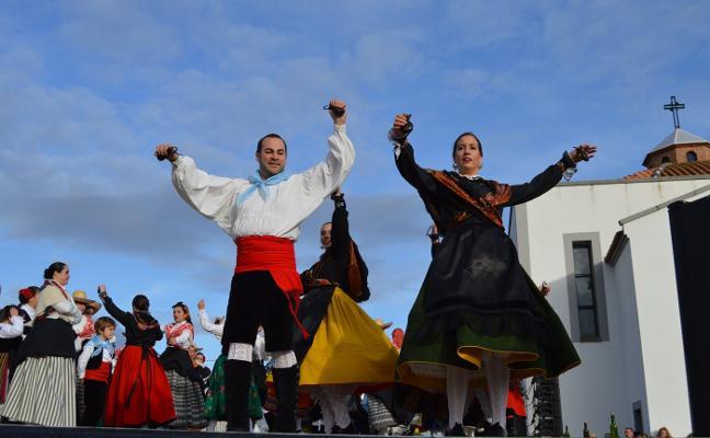 Amcofovil convoca el primer concurso coreográfico de danza folclórica extremeña de Villanueva