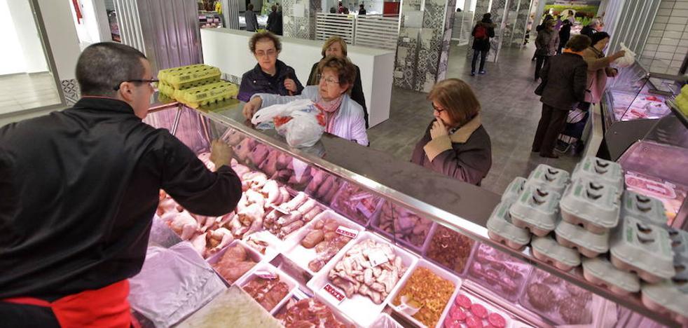 Los extremeños consumen menos carne, pescado y frutas que la media de los españoles