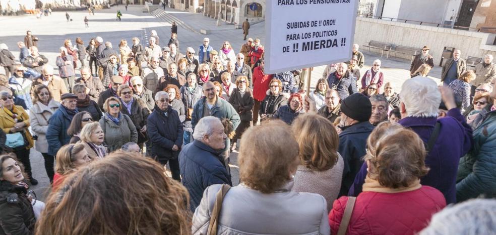 Los jubilados de Cáceres piden mejores pensiones