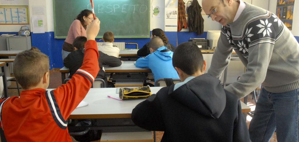 Los sindicatos piden seguridad jurídica para la vuelta a las 18 horas lectivas de los docentes