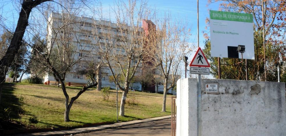 Residentes y familiares de El Prado insisten en que necesitan médico los fines de semana
