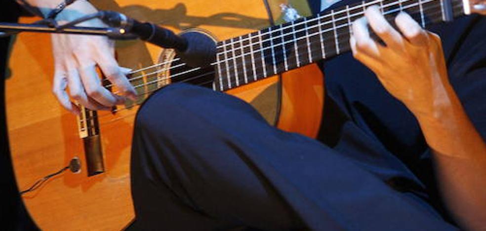 Daniel Casares ofrecerá una versión flamenca del Concierto de Aranjuez en Extremadura