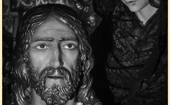 Presentan el cartel de la Semana Santa, obra del fotógrafo Jesús González