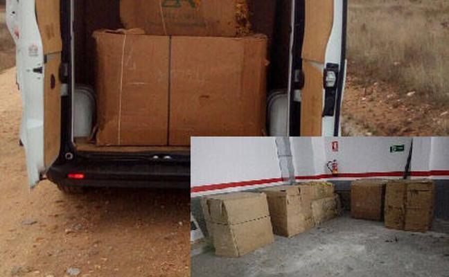 Detienen a una mujer con 730 kilos de tabaco en rama en una furgoneta en Navalmoral
