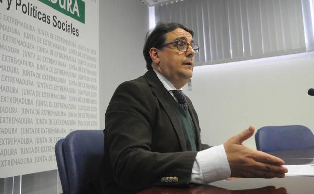 Extremadura buscará los resquicios legales que existan para mantener la sanidad universal