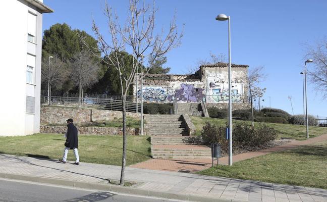 Cáceres apela al Obispado y a la Junta para recuperar la ermita de San Vito