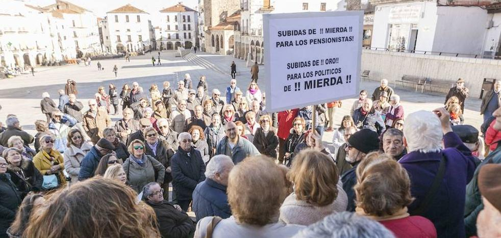 CC OO convoca una concentración en Cáceres por las pensiones