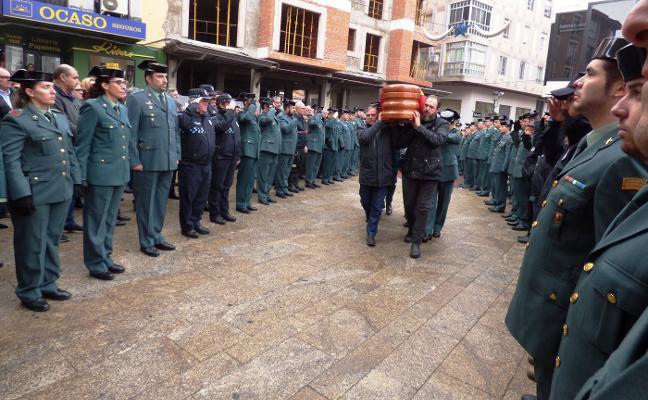 El comandante Yáñez, despedido con honores en Navalmoral de la Mata