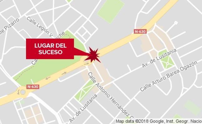 Un hombre resulta herido tras la colisión de dos vehículos en Mérida