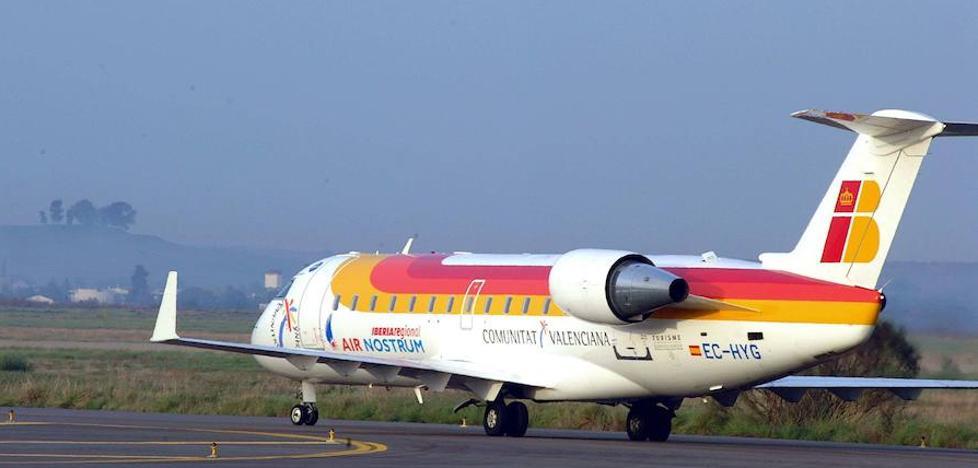 Monago: «Antes de pensar en vuelos a... Miami, afiancemos los nacionales»