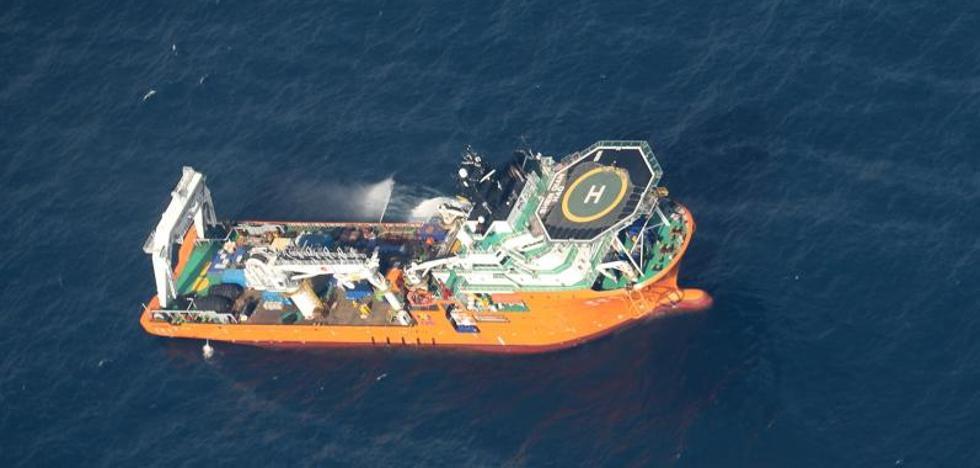 El petrolero hundido en el mar de China deja una mancha de petroleo de 101 kilómetros cuadrados