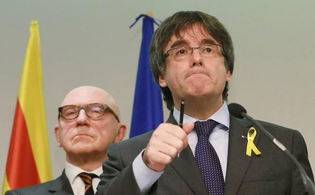 El abogado de Puigdemont revela que se retiró la euroorden tras «contactos» entre fiscalías