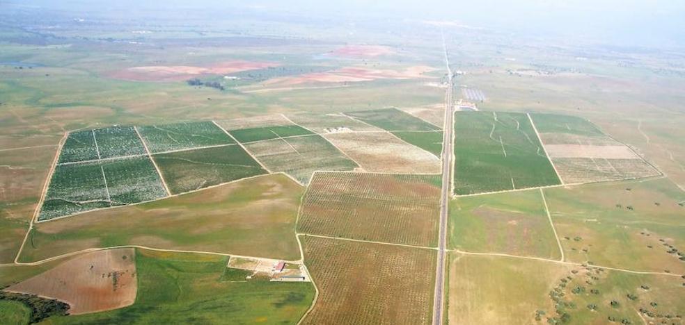 Los vecinos de Villanueva del Fresno recibirán 30 euros por el arriendo de tierras comunales