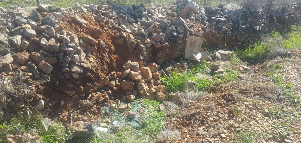 Fallece un hombre de 85 años en una salida de vía en Orellana la Vieja