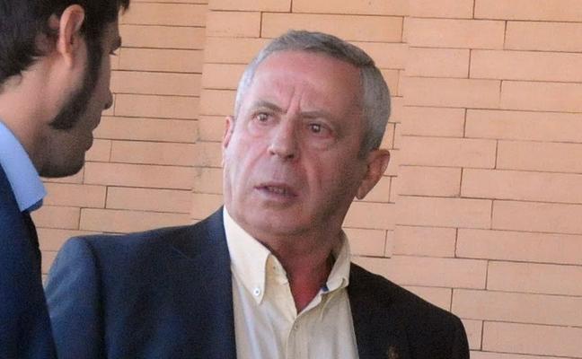 El cura condenado a cárcel por abusos a menores oficia misa en Don Benito