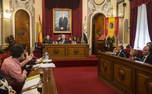 El PSOE critica que este mes solo hay dos comisiones municipales convocadas
