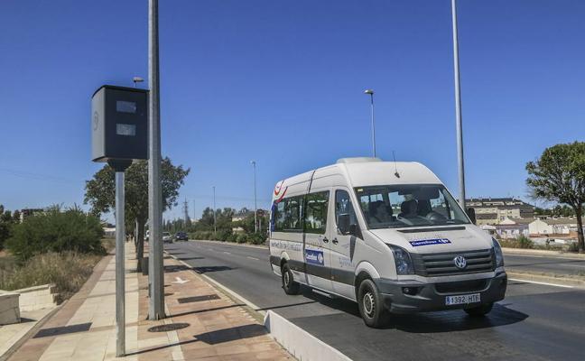 El radar del Puente Real en Badajoz puso 11.321 multas por exceso de velocidad en 2017