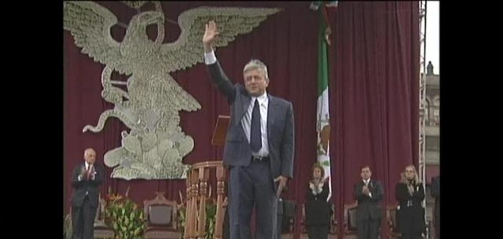 Un muñeco inflable de López Obrador triunfa en las calles de México
