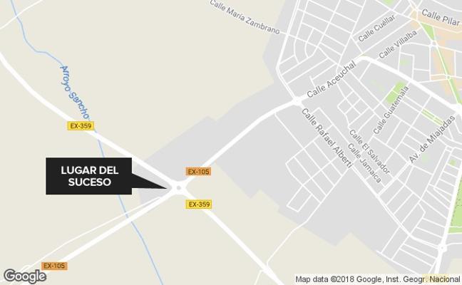 Dos mujeres, con policontusiones tras un accidente en una glorieta en Almendralejo