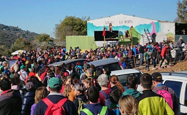 Más de 800 personas rechazan la mina de litio con una marcha cívica