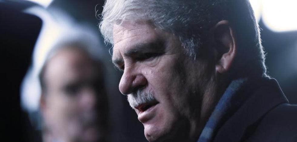 Dastis, de Puigdemont: «Sus movimientos son libres fuera de España, pero ya veremos»