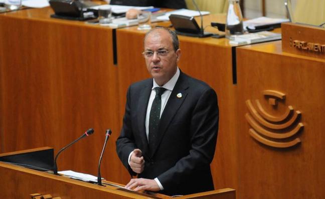 Monago tacha de «error» el formato del debate sobre financiación autonómica en la Asamblea