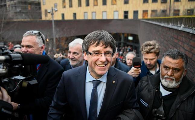 Puigdemont retira la petición de voto delegado para la investidura