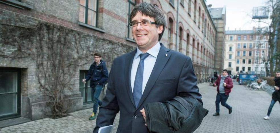 Puigdemont dice trabajar para volver a España