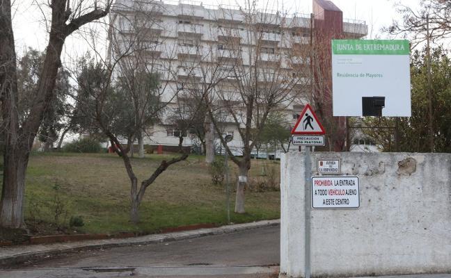 La residencia de mayores de El Prado cuenta desde el lunes con un terapeuta ocupacional