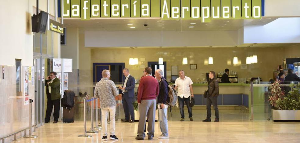 Segundo día que la niebla impide el tráfico aéreo en el aeropuerto de Badajoz
