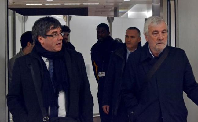 El Gobierno ordena impedir el acceso de Puigdemont a la oficina de la Generalitat en Bruselas