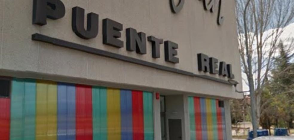 Herido un vigilante al caer por una escalera del Centro Joven de Badajoz