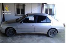 Roba un vehículo en Alcuéscar y rocía con un espray al empleado de una gasolinera en Trujillo