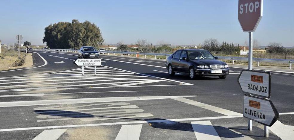 El Ayuntamiento de Badajoz insta a la Junta a convertir en autovía las carreteras de Olivenza y Cáceres