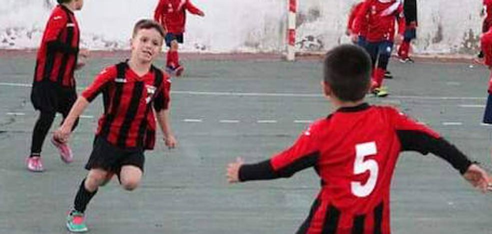 El niño atropellado en Badajoz dará nombre a las instalaciones deportivas en las que jugaba