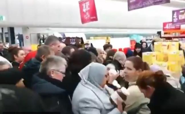 Episodios violentos en Francia por un descuento en botes de Nutella
