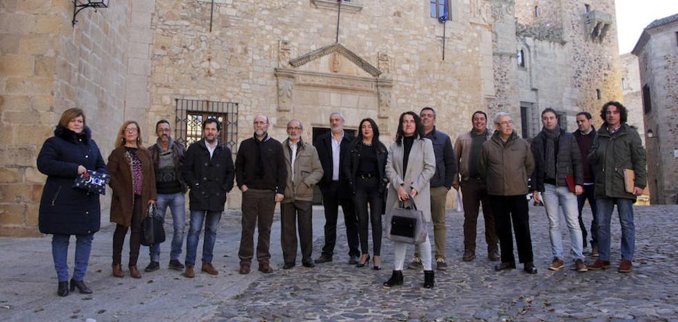 Alcaldes cacereños piden a Liberbank que sigan operando en sus pueblos