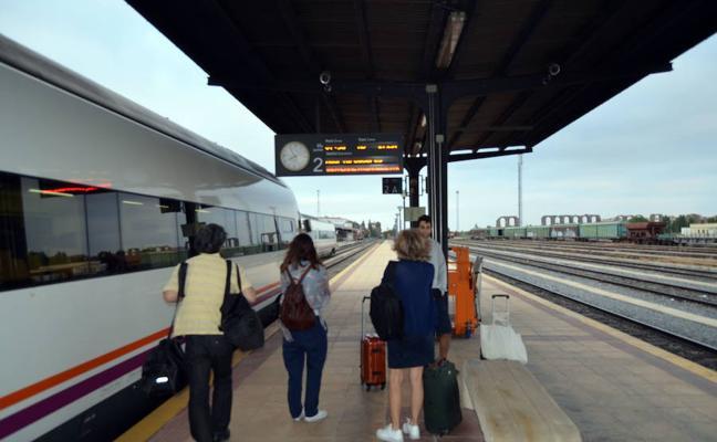 Una avería en la señalización de la estación de Mérida provoca retrasos en ocho trenes