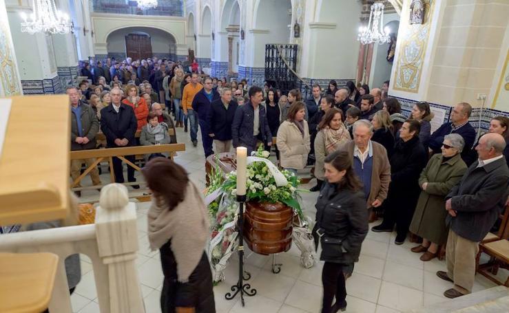 Vecinos y familiares despiden al abuelo 'Marchena', el hombre más longevo del mundo