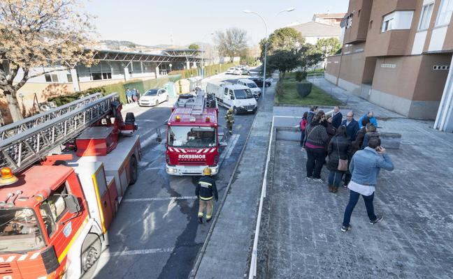 Evacúan a los vecinos de un edificio de Plasencia por una deflagración