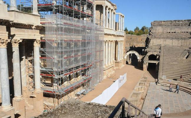 La restauración del frente escénico del Teatro de Mérida tiene que estar acabada a finales de febrero