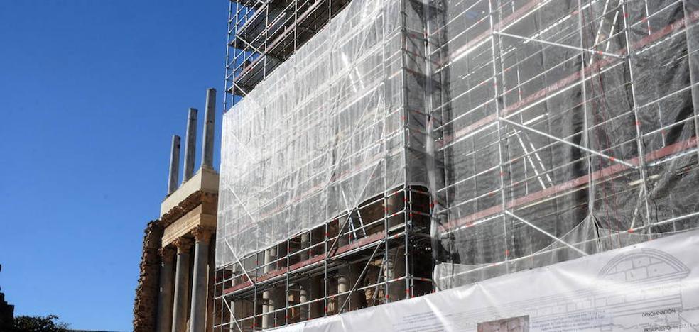 Reanudan las obras de restauración del frente escénico del Teatro Romano