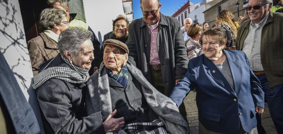 Los extremeños viven menos años que la media de los españoles