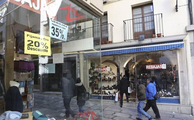 Cáceres deroga la tasa de apertura de establecimientos
