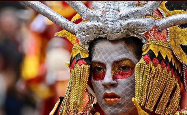 Amparo García pone rostros a las emociones del Carnaval de Badajoz