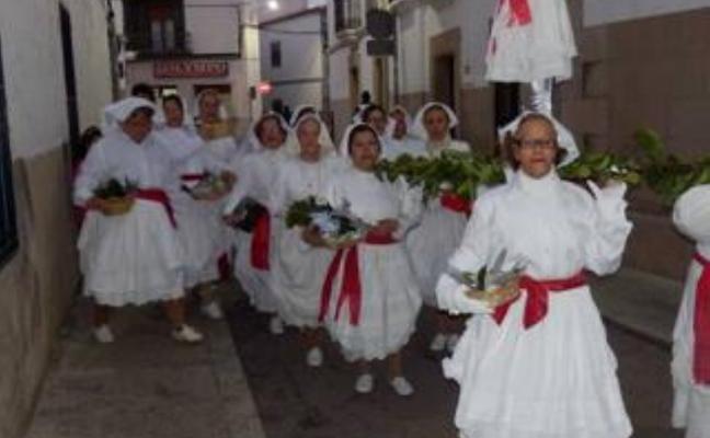 La asociación de amas de casa Los Barruecos y J. R. Alonso de la Torre, premiados en Malpartida de Cáceres